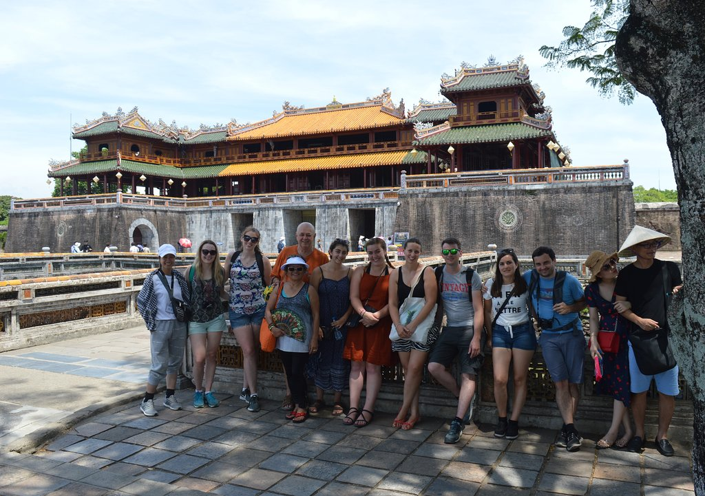 tour-group-xi-our-guide